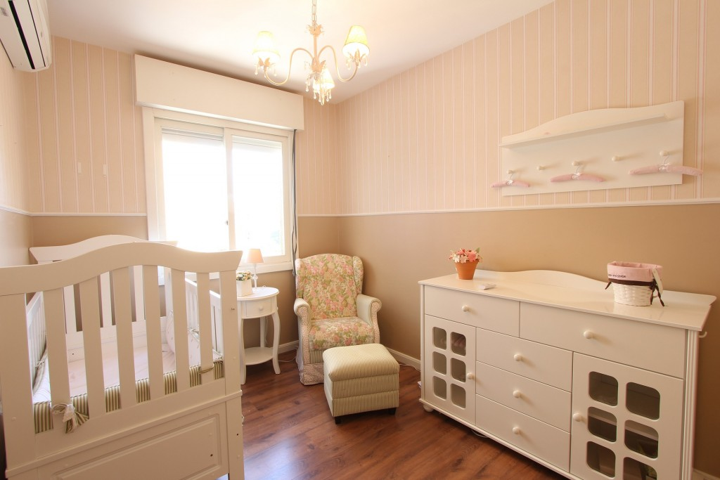 decorate nursery