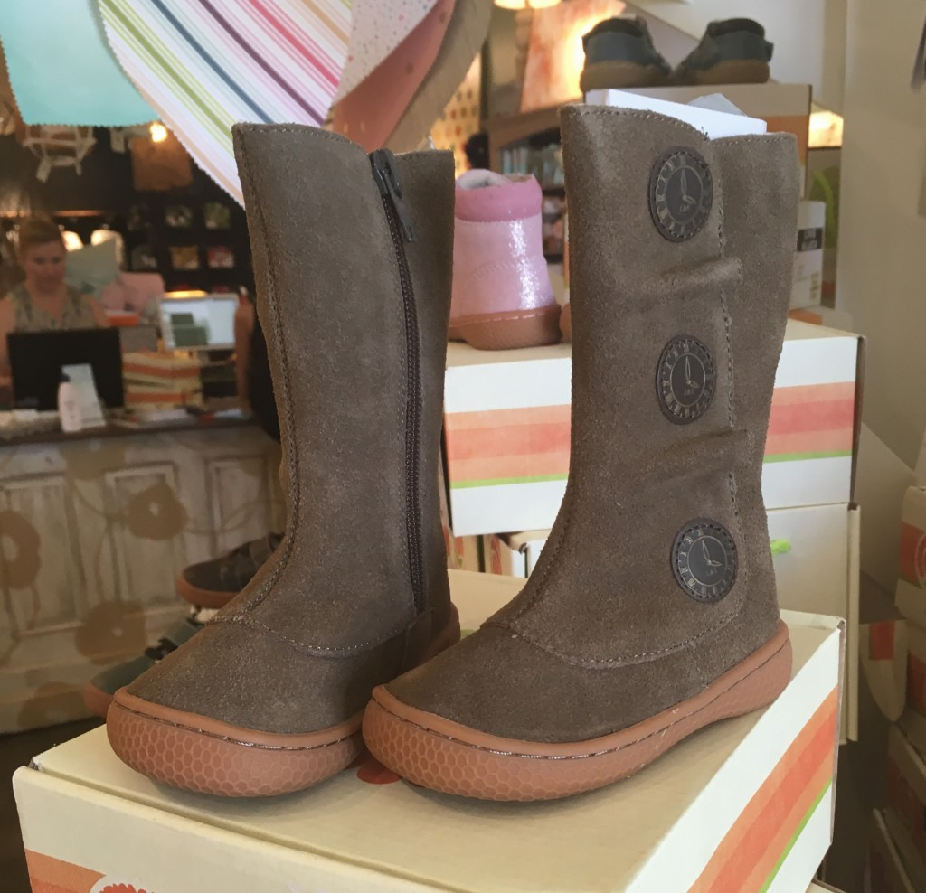 Do they make these Livie and Luca boots for grownups?