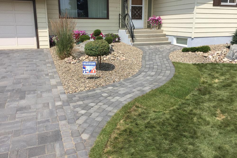 sidewalk-curved-3.jpg