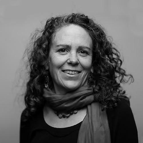Directrice – Kirsten Rowell, Docteur