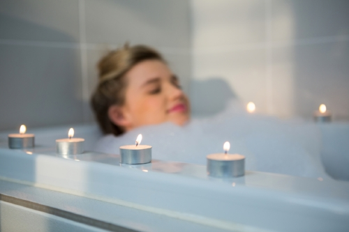 women-relying-in-the-bath-thisgirlisonfire.co.uk