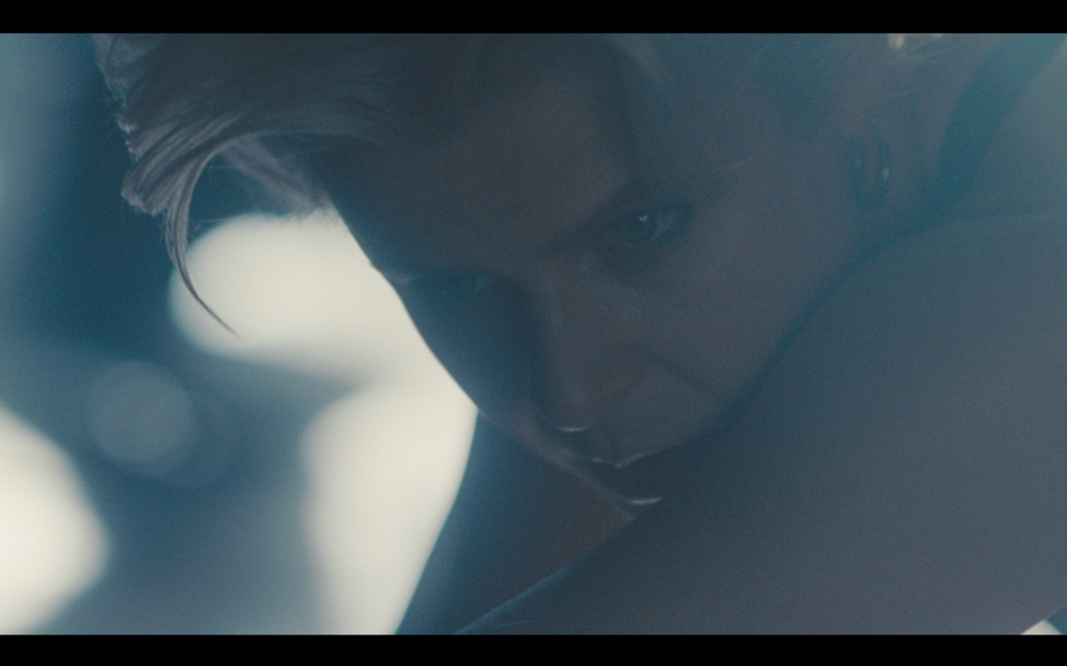 Screen grab fra Robyn - Honey