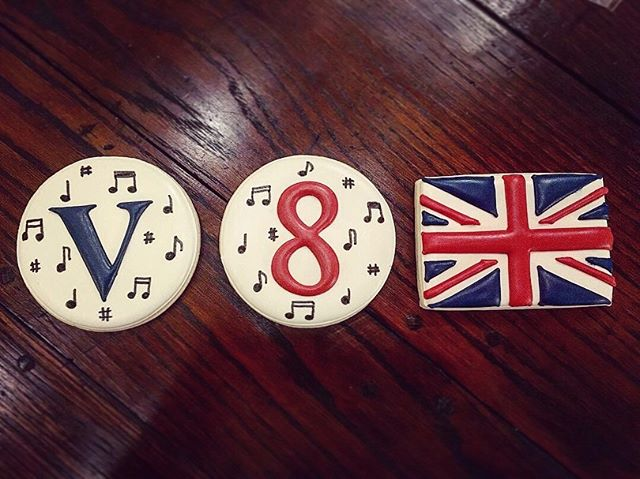 We're having an awesome residency in Houston, TX so far. Workshops and masterclasses with local choirs, group rehearsal on some exciting new music, and these delicious cookies made by @whoosbakery 🍪 #voces8ontour #vocesate(thesecookies)
