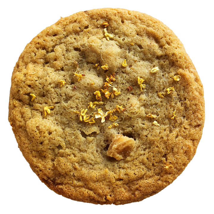 ginger osmanthus - this cookie was inspired by the transition of summer into autumn! the summery peach-like flavor of osmanthus is combined with the spiciness of candied ginger.