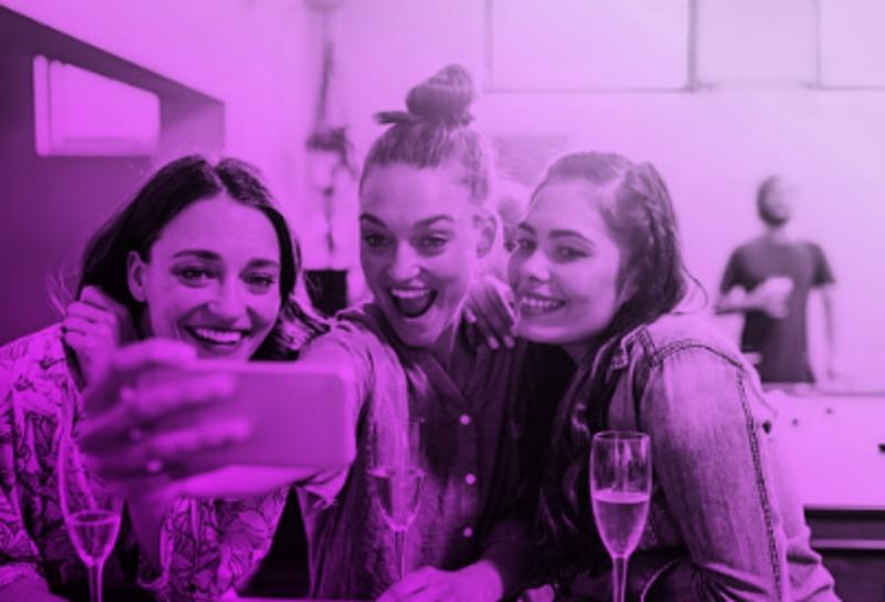 divorce girlfriends women selfie 4.jpg
