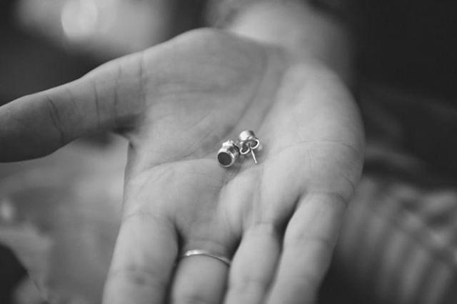 tom-laura-bridesmaids-earrings-wedding-glasswing.JPG