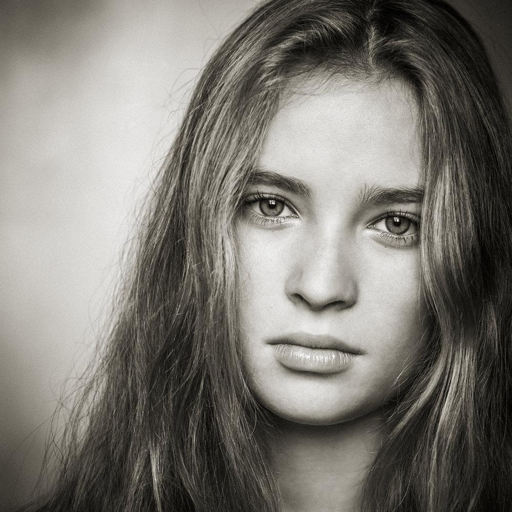 portrait-junges -maedchen.jpg