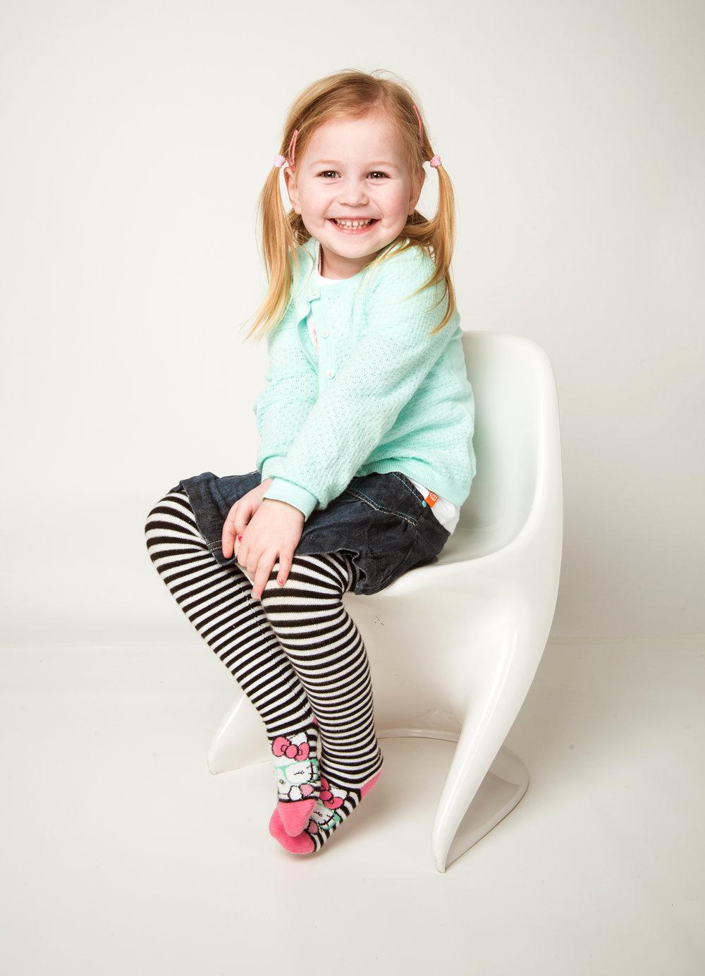 kindergartenfoto-mit-stuhl.jpg