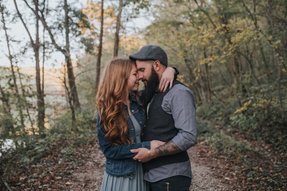 woodsy-engagement-session-12.jpg