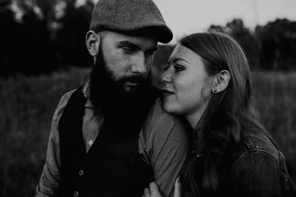 woodsy-engagement-session-16.jpg