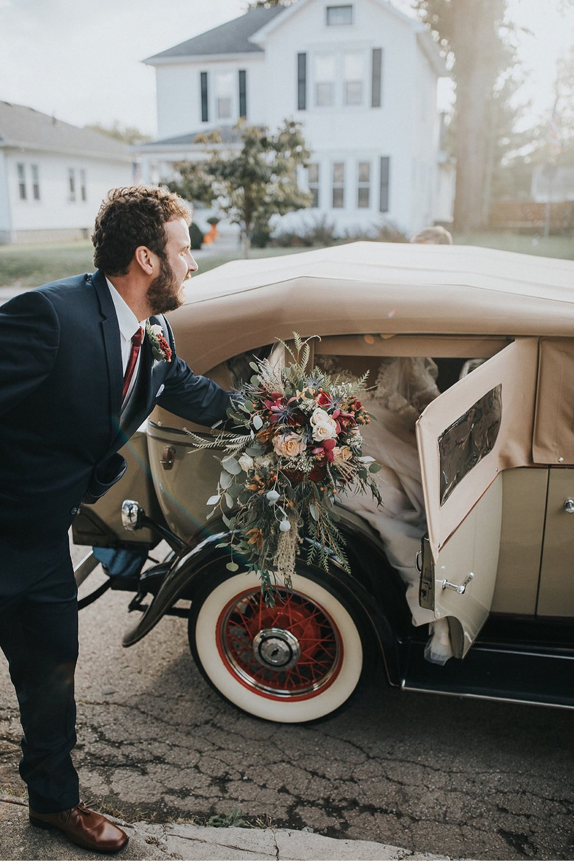 18_5W9A0395_Barn_natural_Fun_adventurous_Ohio_Party_Wedding.jpg