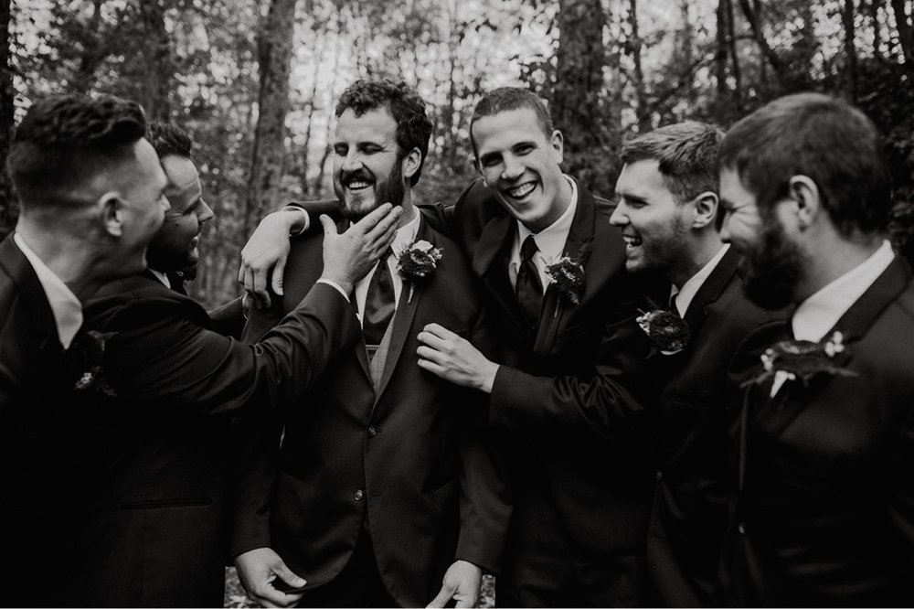 37_5W9A0569_Barn_natural_Fun_adventurous_Ohio_Party_Wedding.jpg