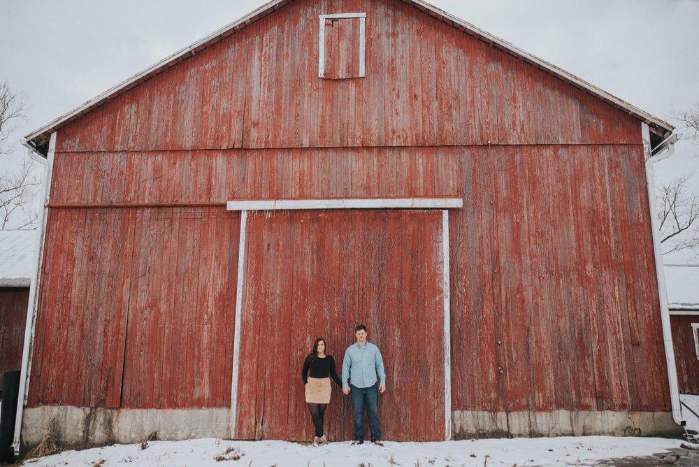 civington-ohio-farm-engagement-session-18.jpg