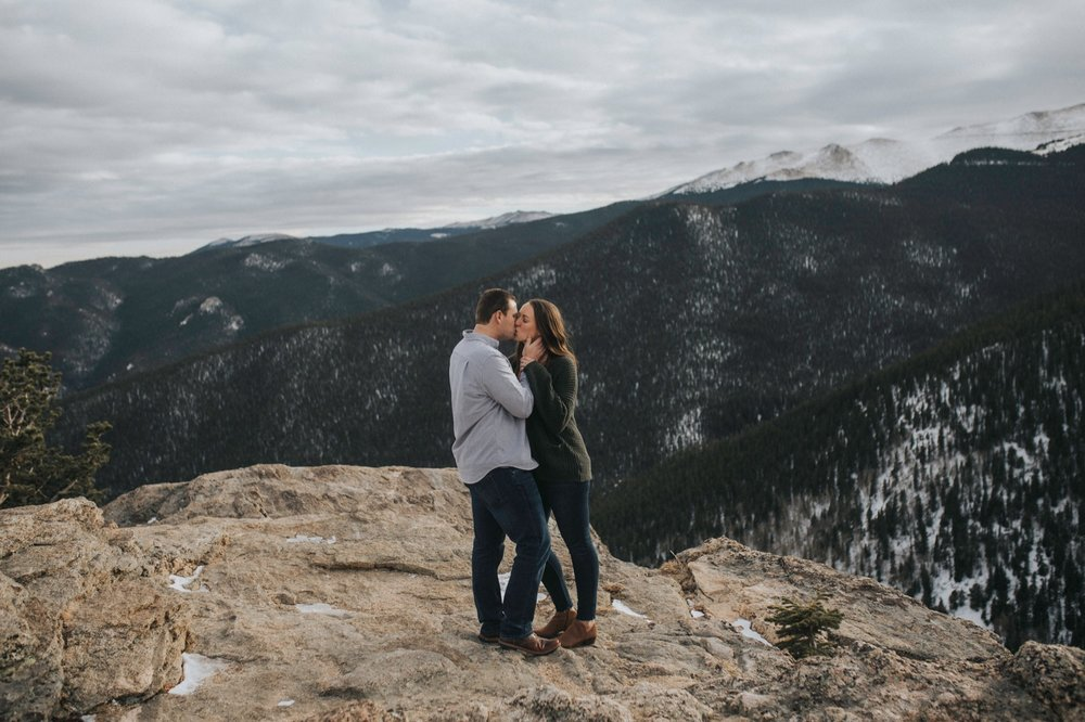 echo-lake-park-mountain-engagement-session-15.jpg
