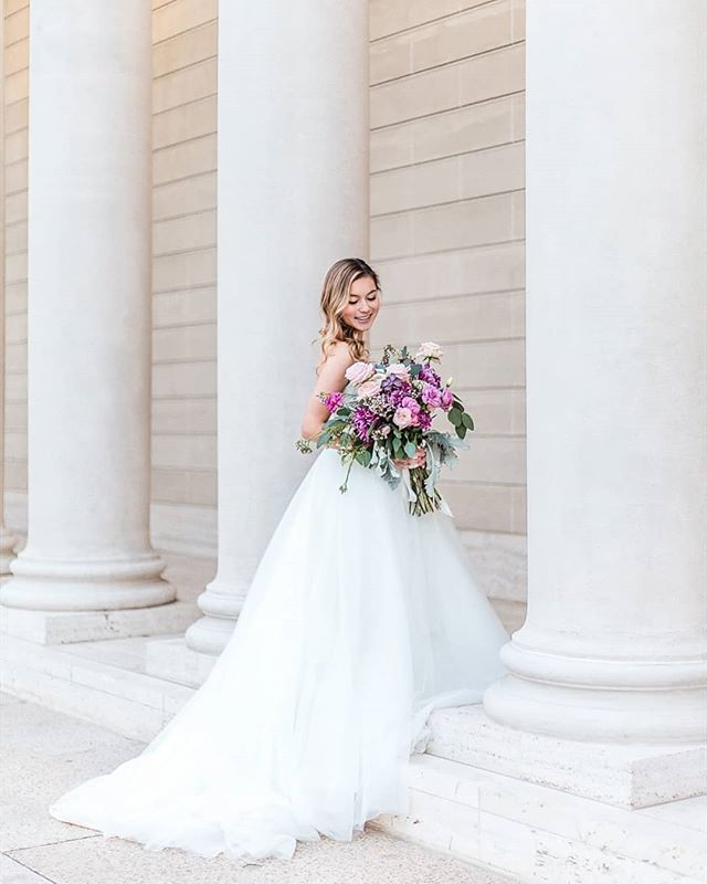 I have this really bad habit of binge editing when I love a photo session so much 💕 can't wait to share a few more from this styled shoot 💐  Venue: @legionofhonor  Dress:  @garnetandgracebridalboutique  Floral Design : @sallysparks