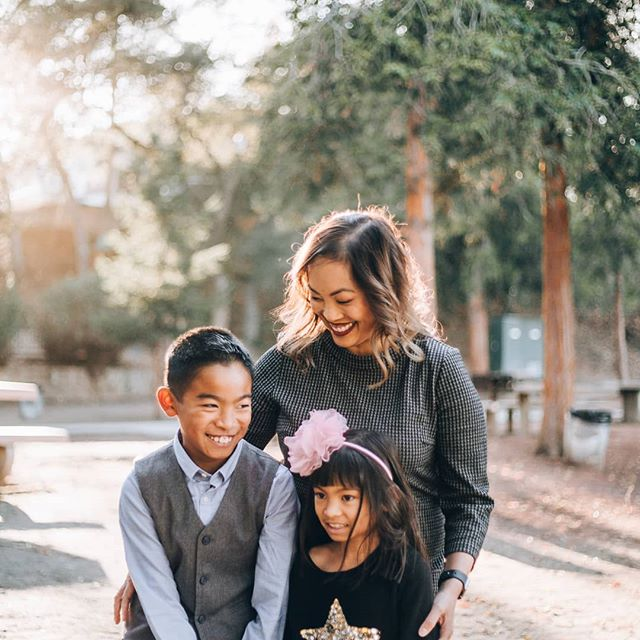 Don't forget to book your family portrait session before Christmas with me! Inquire through link in bio or www.thevioletfactor.com