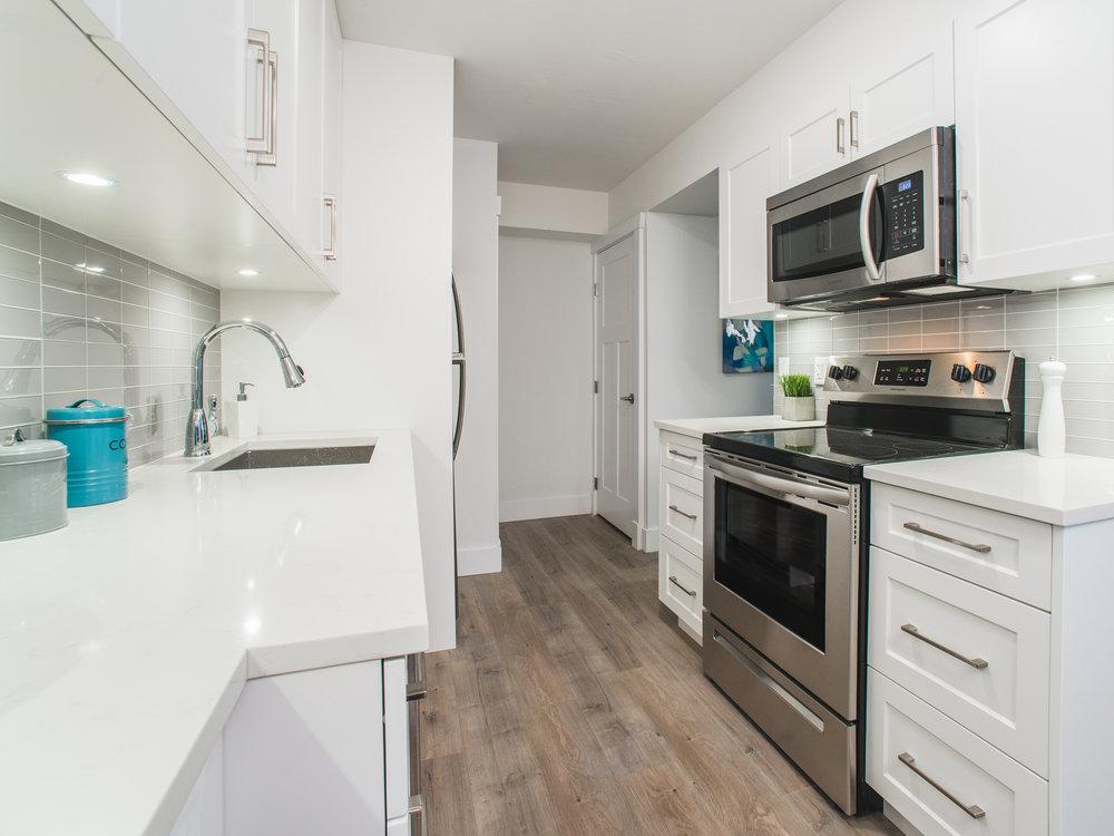 kitchen f 2.jpg