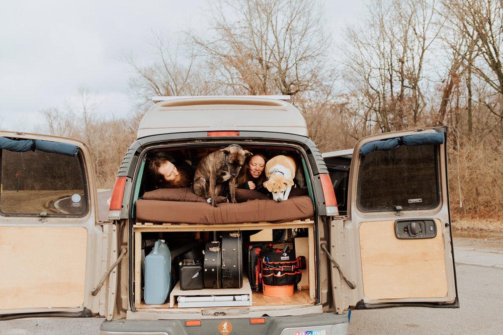 Stephenie-Masat-Photographer-Gnomad-Home-Couples-Session-12.jpg