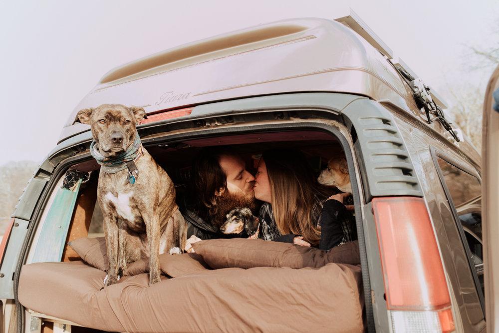 Stephenie-Masat-Photographer-Gnomad-Home-Couples-Session-20.jpg