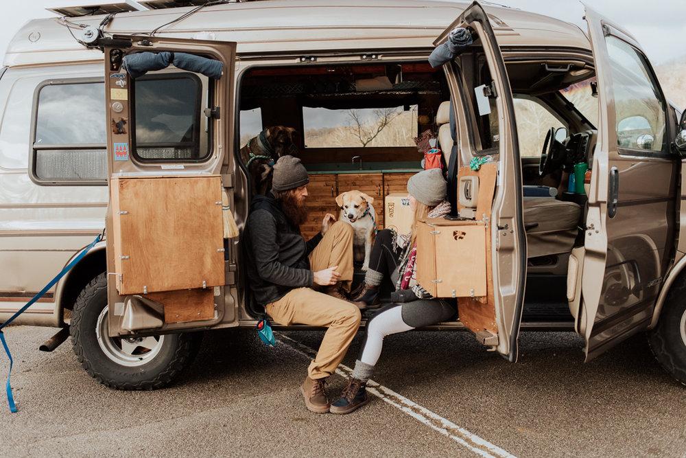 Stephenie-Masat-Photographer-Gnomad-Home-Couples-Session-24.jpg