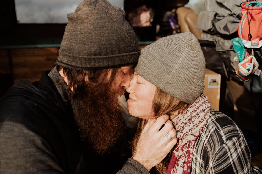 Stephenie-Masat-Photographer-Gnomad-Home-Couples-Session-30.jpg