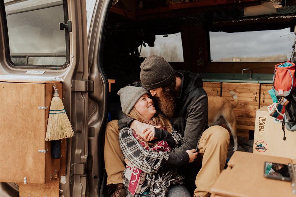 Stephenie-Masat-Photographer-Gnomad-Home-Couples-Session-36.jpg