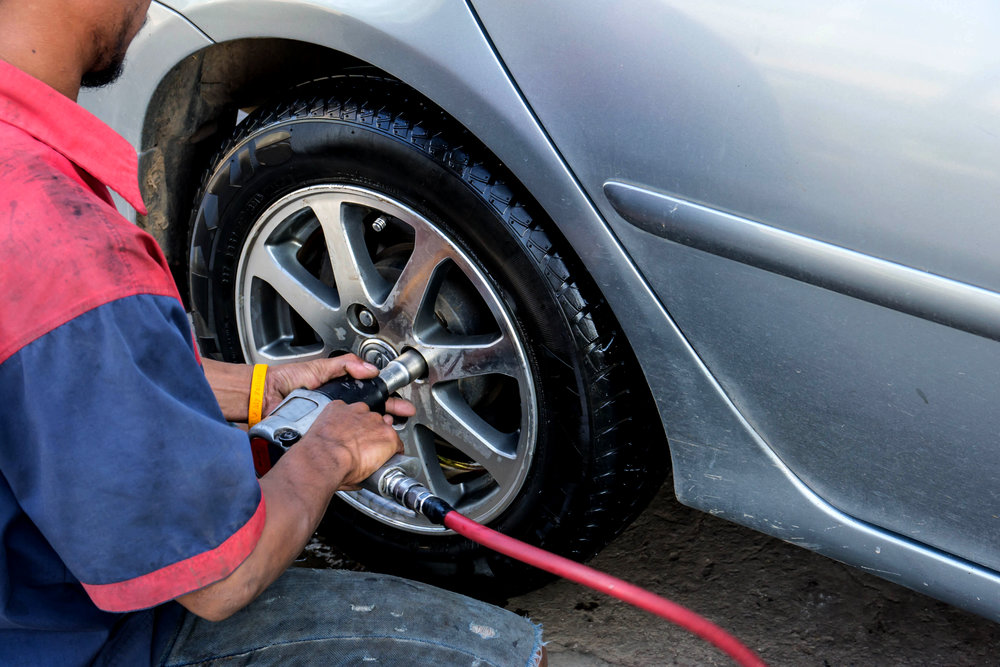 Flat Tire Assistance - Tire Change, Tire Repair, and Tire Replacment