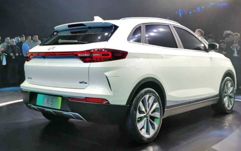 """- WM Motor's """"EX5"""", a fully electric SUV that integrates the intelligent user experience."""