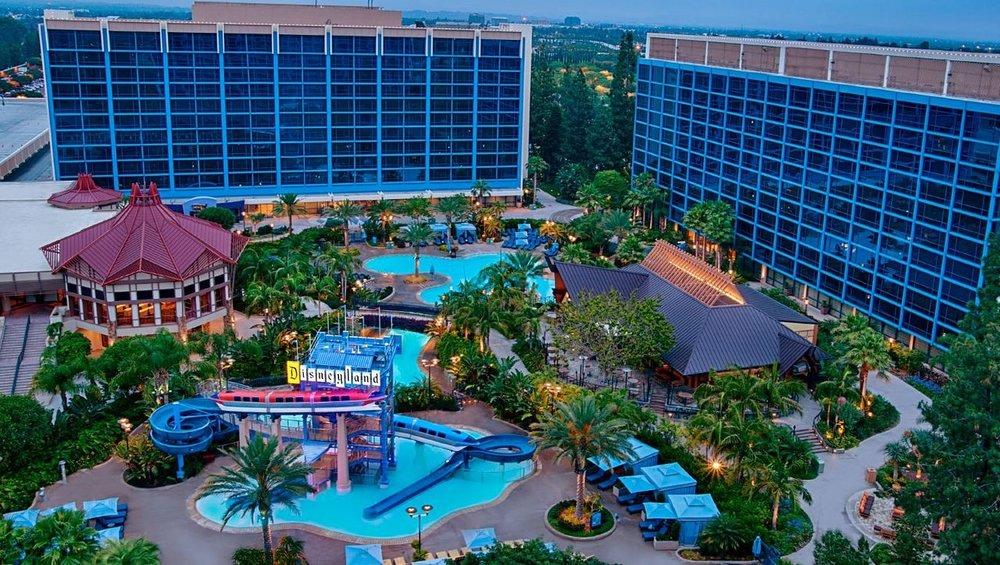 Disneyland Hotel -