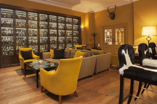 THE BALMORAL HOTEL BAR: SCOTCH