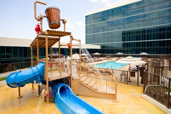 Anaheim-Hilton-pool_play_area.jpg