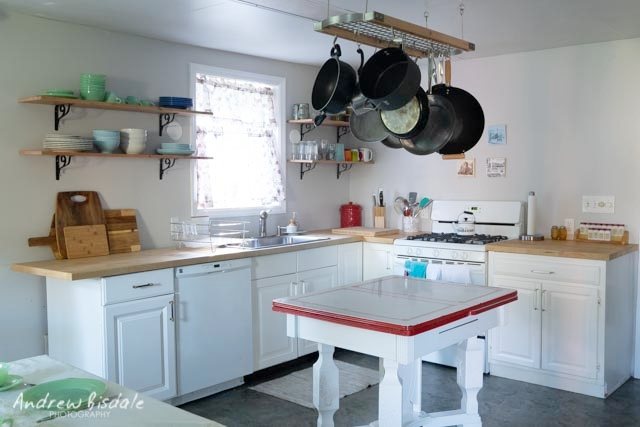 The Kitchen - Our large, eat-in kitchen is fully-stocked to cook whatever your heart desires. With table settings for 20+ and plenty of extra seating, its perfect for family meals big and small. Light streams through our big windows providing picture-perfect views of the river, mountains and wildlife.
