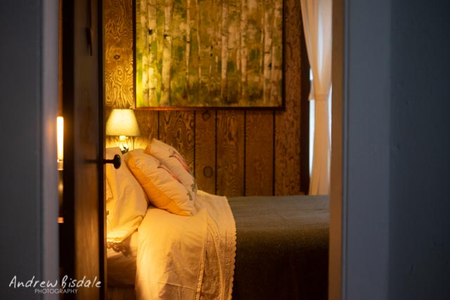 The Woodlands Room - A fan-favorite, The Woodlands Room includes a cozy double bed, closet space and cabin-chic decor, including portraits of our most infamous woodland neighbors.