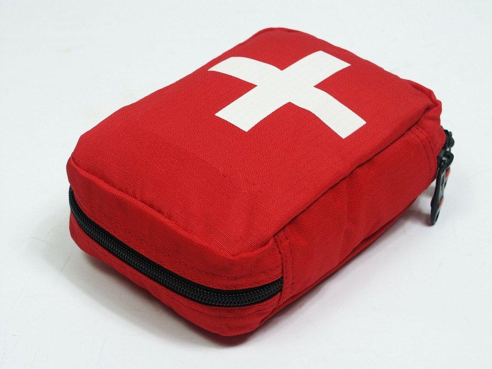 first-aid-kit-1416695.jpg