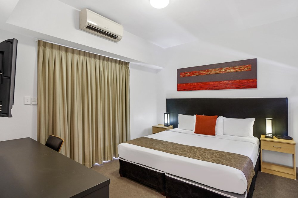 Deluxe King - 1 x King BedPrivate Ensuite • Free WiFi • TV • AirconMORE INFO