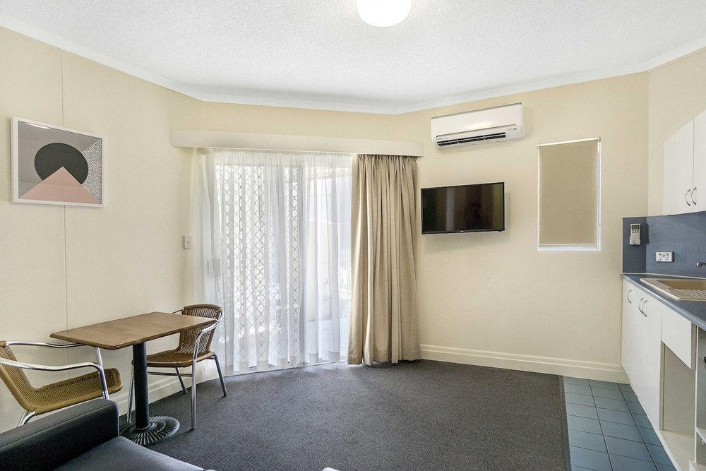 toowong-inn-suites-hotel-motel-apartments-accommodation-brisbane.9.jpg