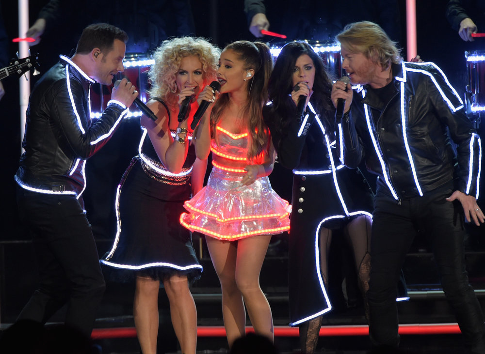 CMAS - ARIANA GRANDE / LITTLE BIG TOWN