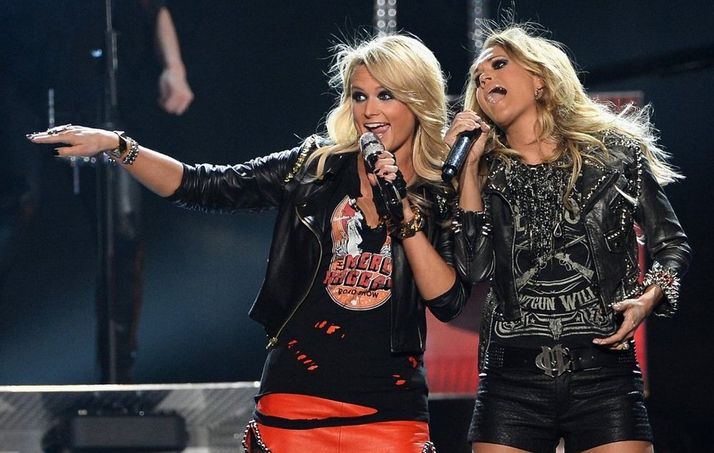 MIRANDA LAMBERT - BILLBOARDS WITH CARRIE UNDERWOOD
