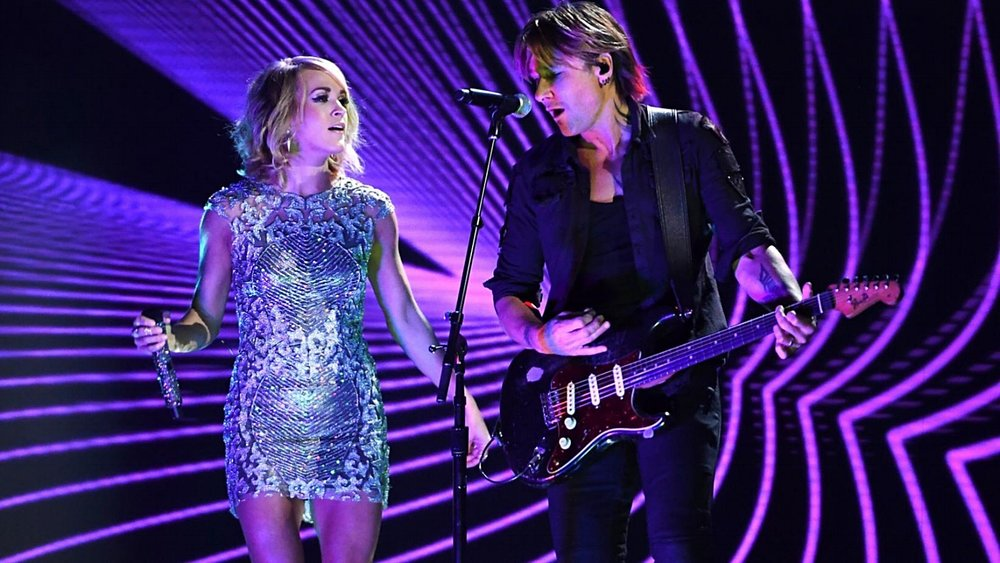 CARRIE UNDERWOOD - GRAMMYS WITH KEITH URBAN