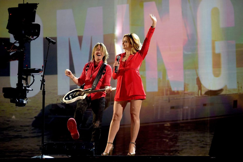 KEITH URBAN - ACMS WITH JULIA MICHAELS