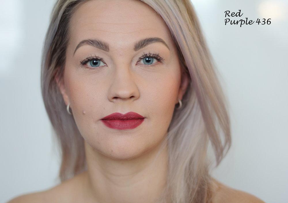 Red Purple Lipstick (436): Red Purple on kylmemmän punainen kuin Red Pomegranate. Tämäkin on todella kaunis sävy, myös yksi minun lemppareista.