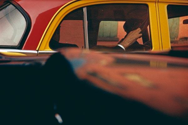 07_Saul-Leiter-l-Taxi-ca.-1957-.jpg