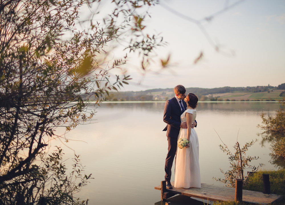 poročno fotografiranje ob jezeru