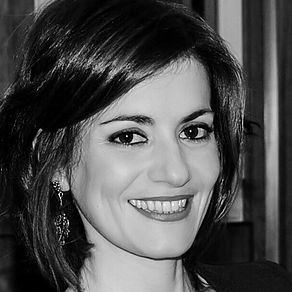 Ana González Albarrán  Leasing Manager Spain M + 34 690 943 924  ana.gonzalez@ros-management.com