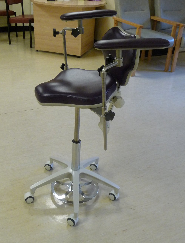 Surgeon's chair.JPG