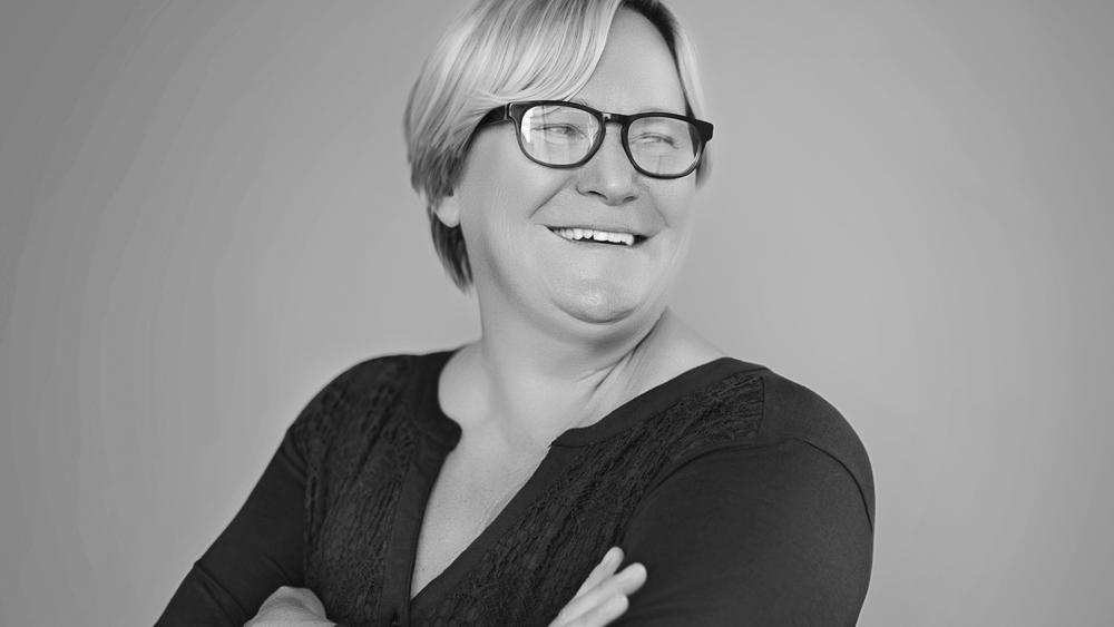 PRODUCTION MANAGER - LISA BILEK