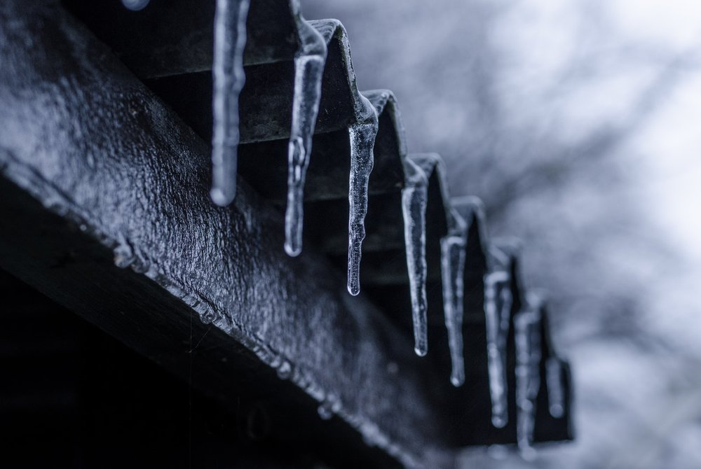 icicle-ice-winter-cold-730910.jpeg