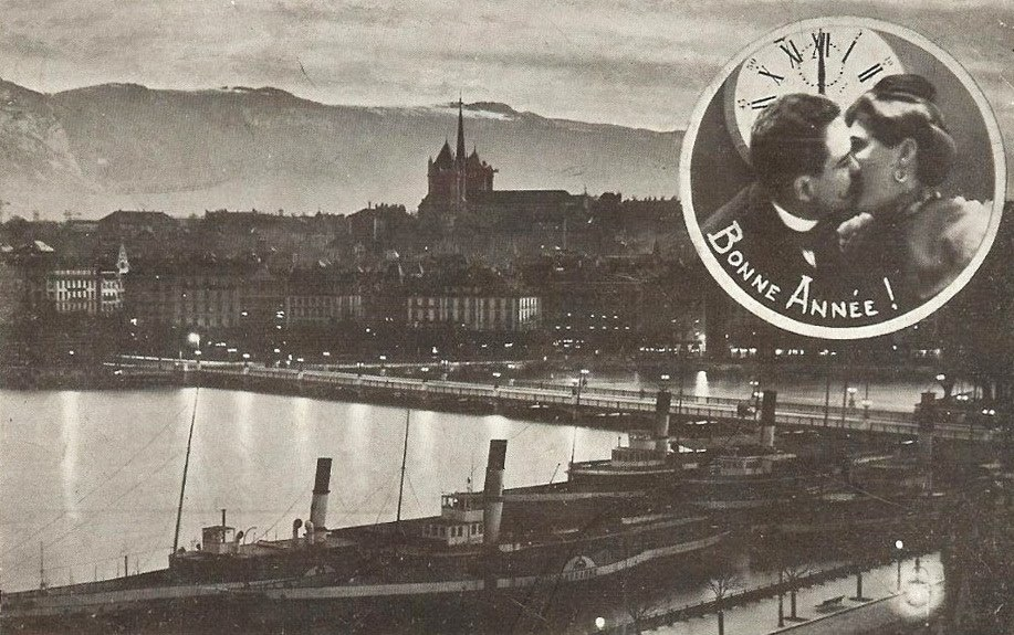 Vintage Postcard of Geneva, Bonne Année, with a couple kissing each other in a cartouche, with a view of the Mont Blanc Bridge, Lac Léman with paddle boats, the Old Town and the Salève by night.