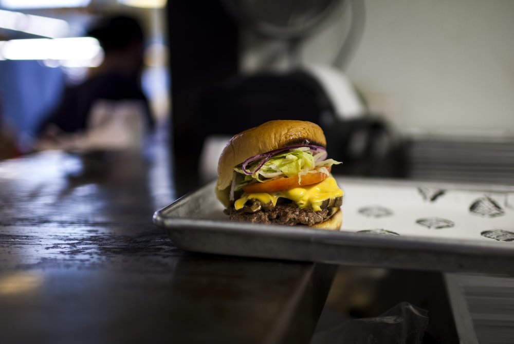 CURB_MARKET_1559 -the burger.jpg