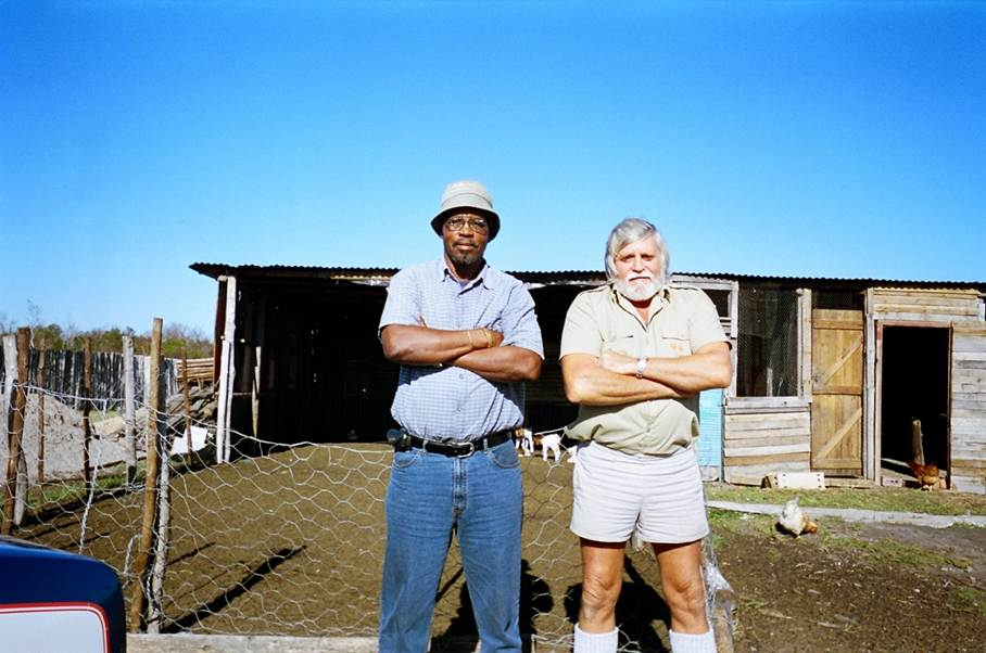 white&black_farmer-south-africa-land-redistribution.jpg